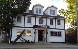 The Portsmouth Tavern, a comfy little pub where I hung out with some locals.